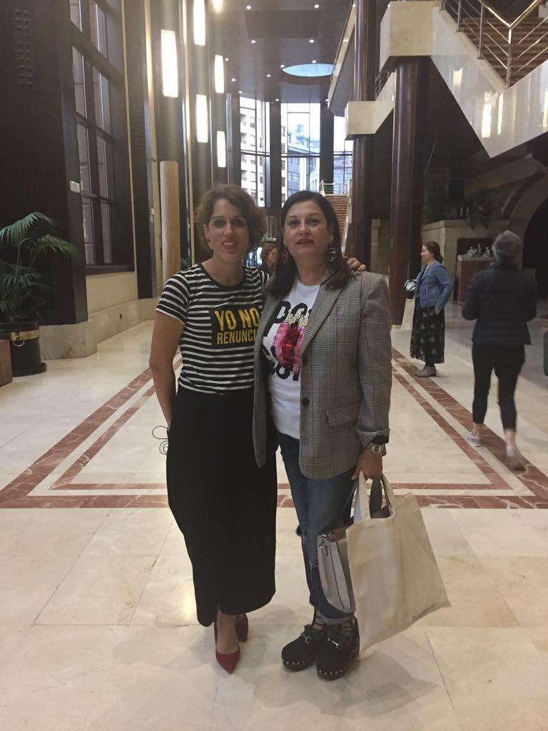 Laura Baena Malasmadres con abuelaalaultima en Bloggever