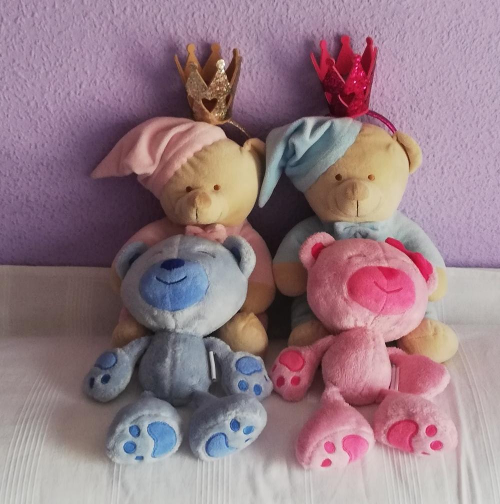 osos de peluche rosas y azules